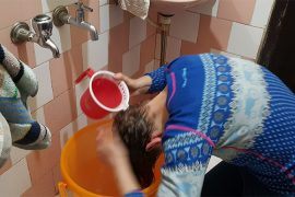 Duschen in Indien