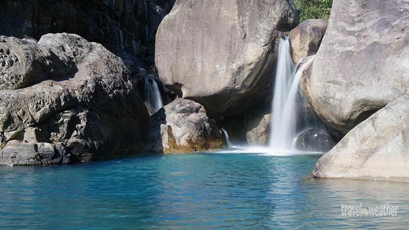 Wasserfall bei der Wurzelbruecke