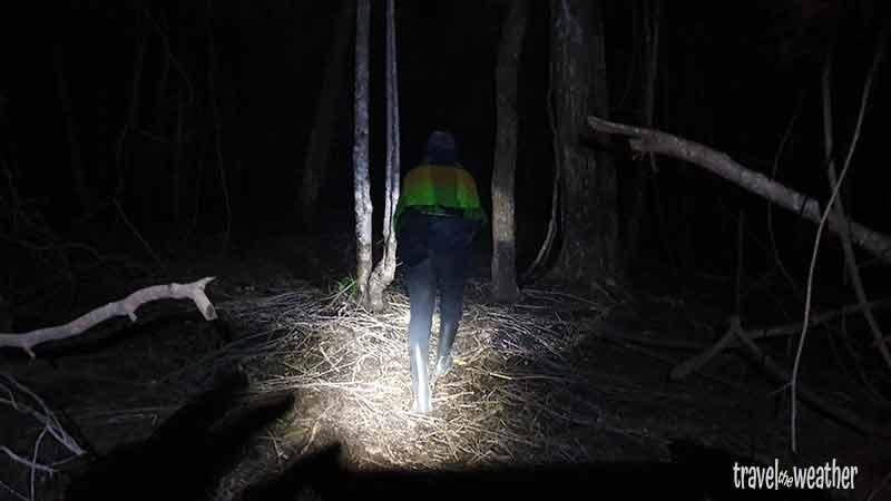 Der lange Aufstieg durch die Nacht zum Krater des Tambora