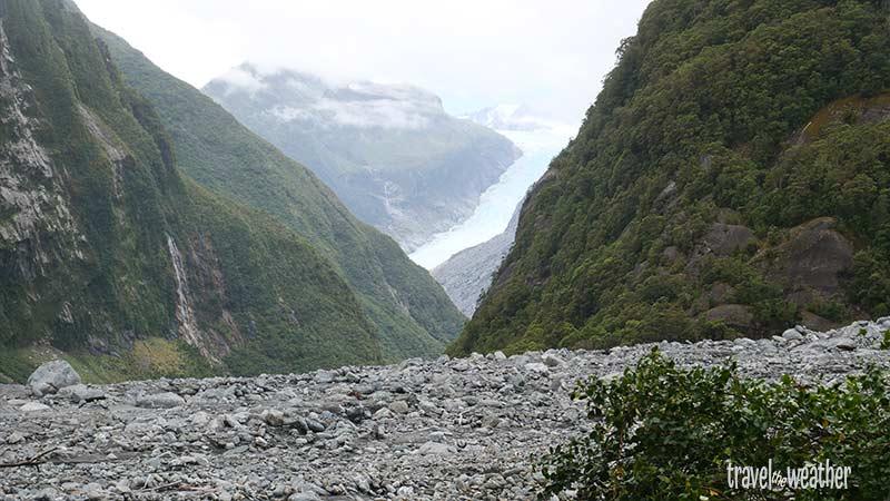 Der Weg zum Fox-Gletscher endet an einer rieseigen Geröllhalde. Vor einem Jahr hat ein Erdrutsch den weiteren Weg zerstört.