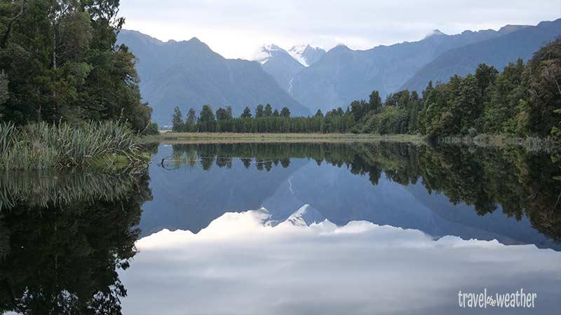 Das Bergpanorama spiegelt sich perfekt im Lake Matheson.
