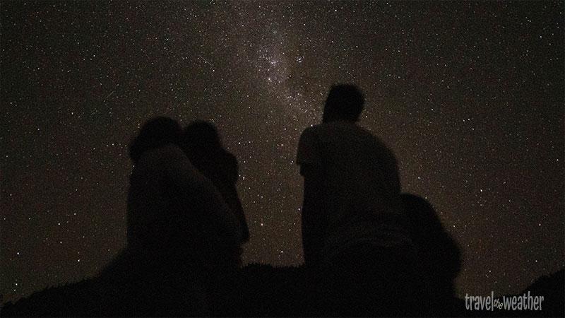 Wir bewundern den Sternenhimmel auf unserem letzten Campinplatz.