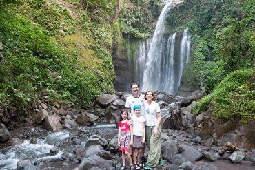 Am Wasserfall Tiu Kelep