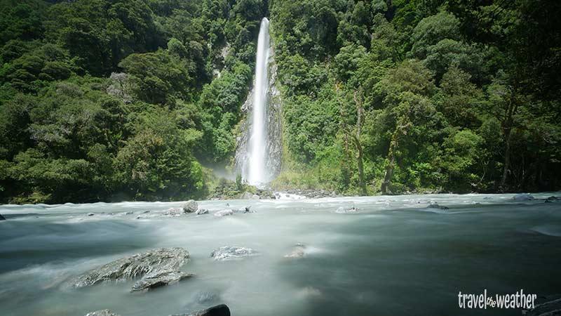 Der Roary Billy Wasserfall mit reichlich Wasser nach vorangegangenen Regenfällen.