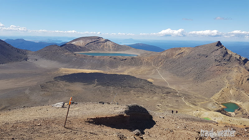 """Vom höchsten Punkt des Alpine Crossings schaut man auf den """"Blue Lake"""""""
